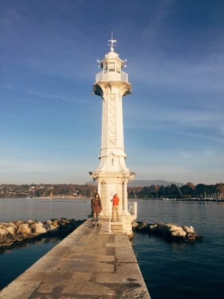 Feu des Pâquis, the lighthouse